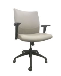 Pre-owned Stylex MC conference chair has Pelle Morgan vinyl upholstery.
